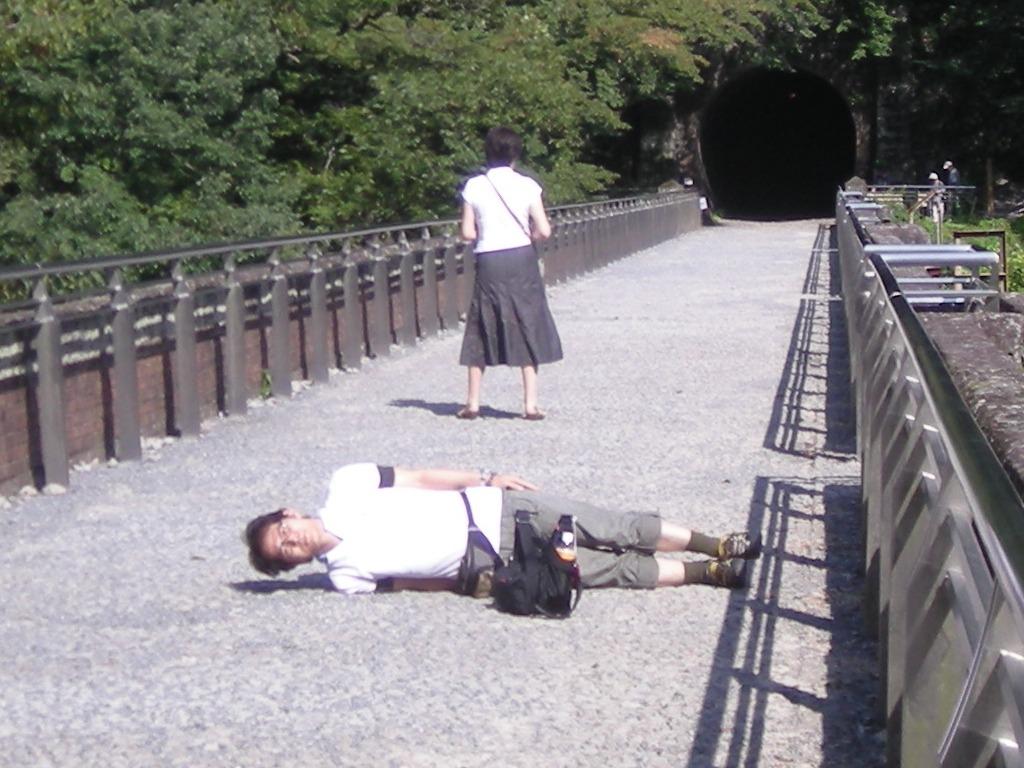 碓氷峠のめがね橋での恥さらし。記念撮影でするべきたった1つのポーズの有効期限は30歳代までと心得よ