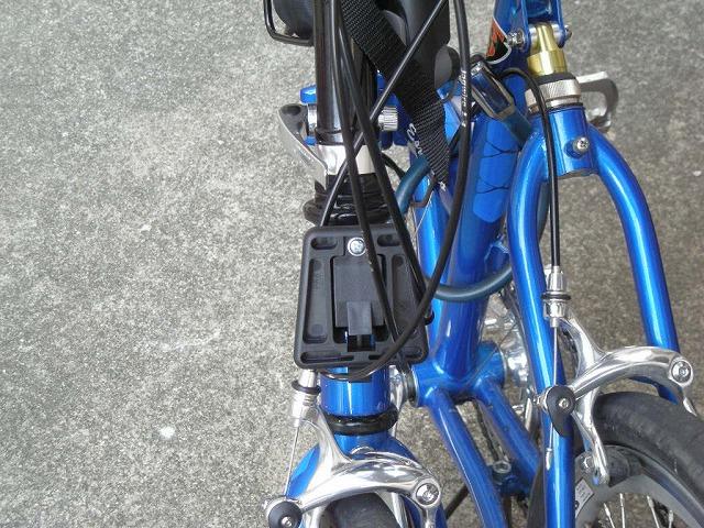 【改造】ブロンプトン純正フロントキャリアブロックをまったく別のメーカー自転車に取り付けてみる