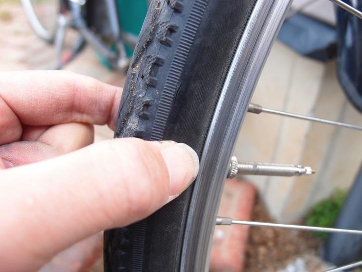パンク修理触手による圧力確認