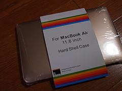 ドヤるものさりげなくねMacBook Air用にゴールドのカバーつけてみる