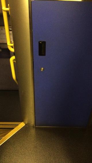 上越新幹線MAXのエレベーター
