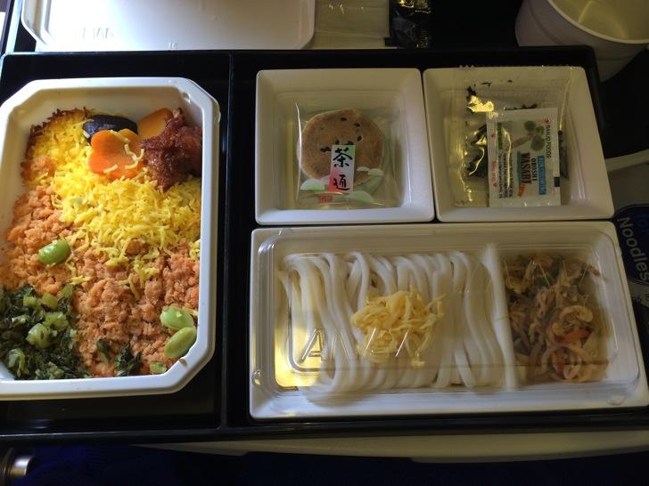 【中国旅行記】ANAで機内食をいただいて超高速!参勤交代見て寝てるうちに着いた中国