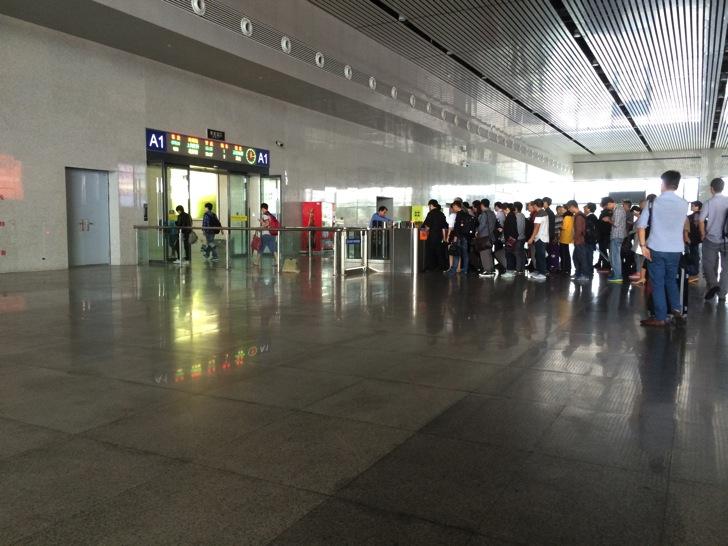 中国の新幹線改札