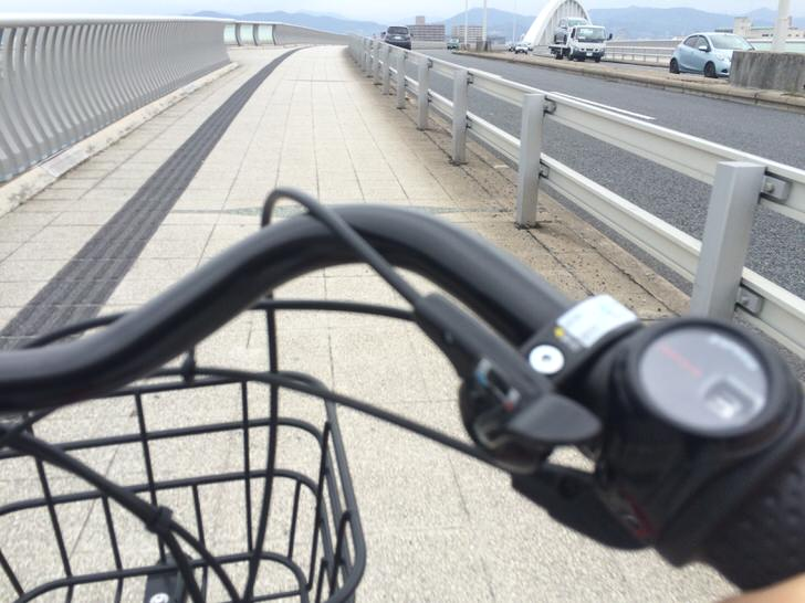 電動アシスト自転車による坂道発進