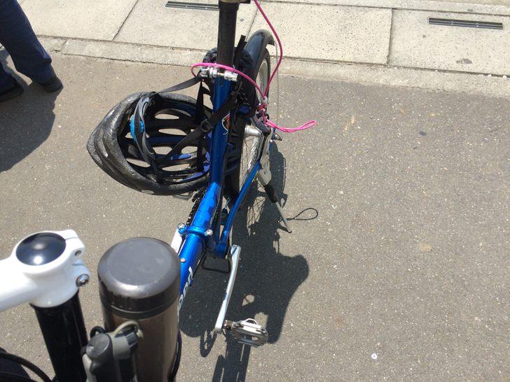 炎天下の中自転車修理