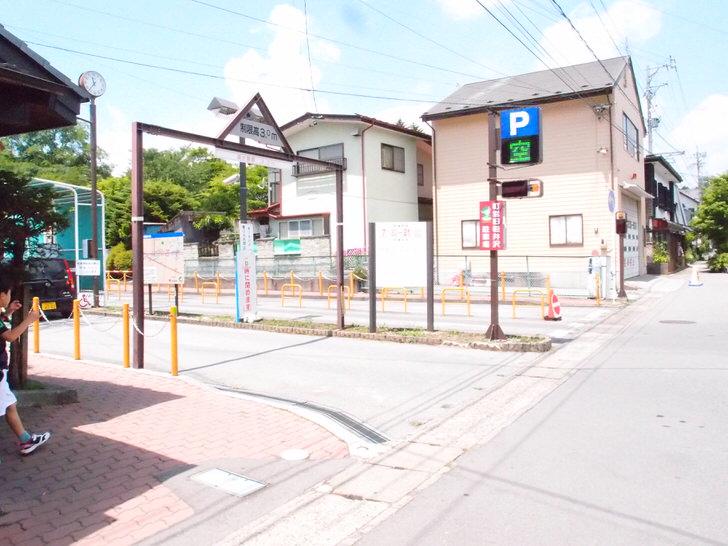 軽井沢の町営駐車場