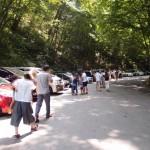 軽井沢白糸の滝での駐車場は坂道に沿ってざっくり何台分あるのか