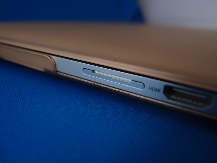MacBook Pro用SDアダプター