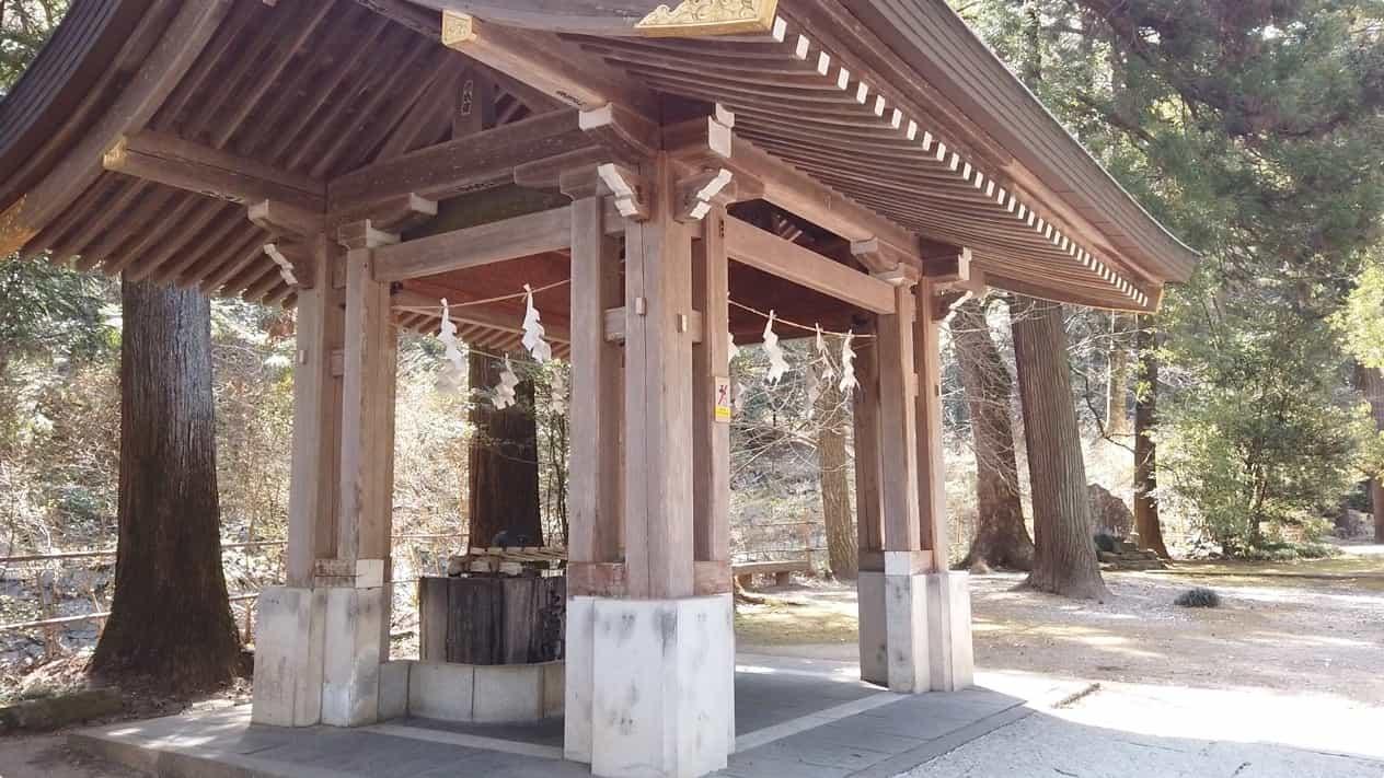 金鑚神社手水舎