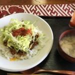 川島町沖縄料理の結ま〜るは荒川右岸サイクリングの疲れを休めながら食事を楽しめる場所