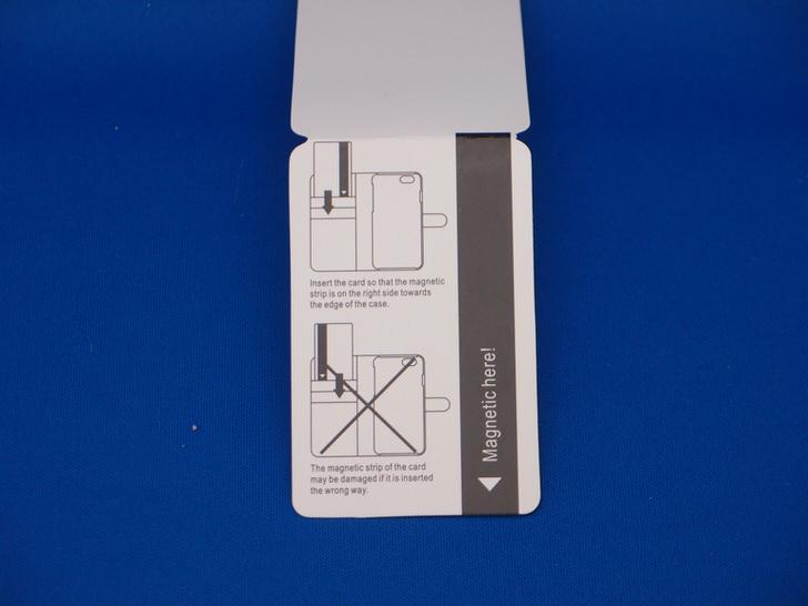 手帳型ケースに入れるカードの向き