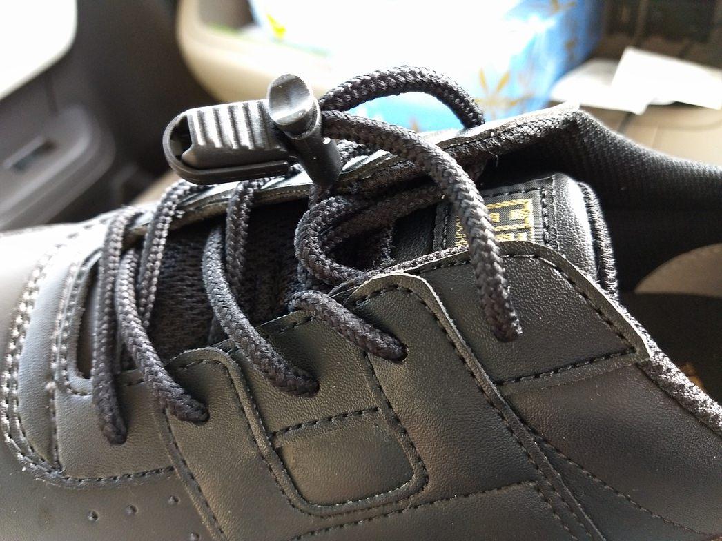 ミドリ安全のスニーカータイプ作業靴