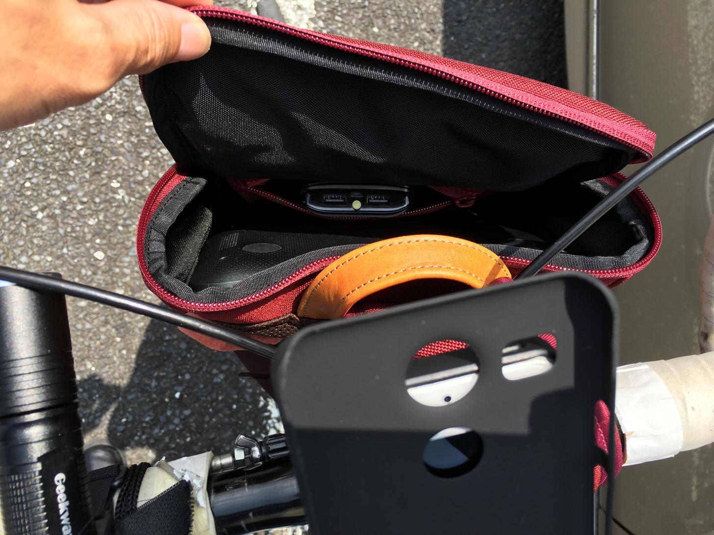 ブロンプトンキャリアフレームに袋をつけて非破壊的オリジナルフロントバッグ