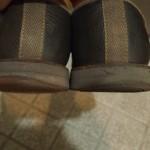 靴のかかとを補修剤で補修してみるも致命的な間違いを犯したことに最後に気づく