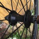 DAHON自転車サビて真っ赤なクイックリリースシャフトを手持ちのシャフトで置き換える前に一加工