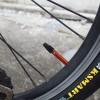 DAHON自転車のバルブにカラーアルミキャップを付ける