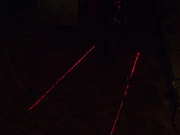 eBayで買った自転車レーン生成レーザーライト