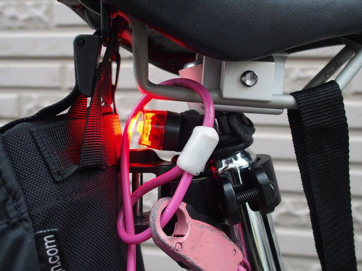 自転車にもリュックにも使えるテールランプ