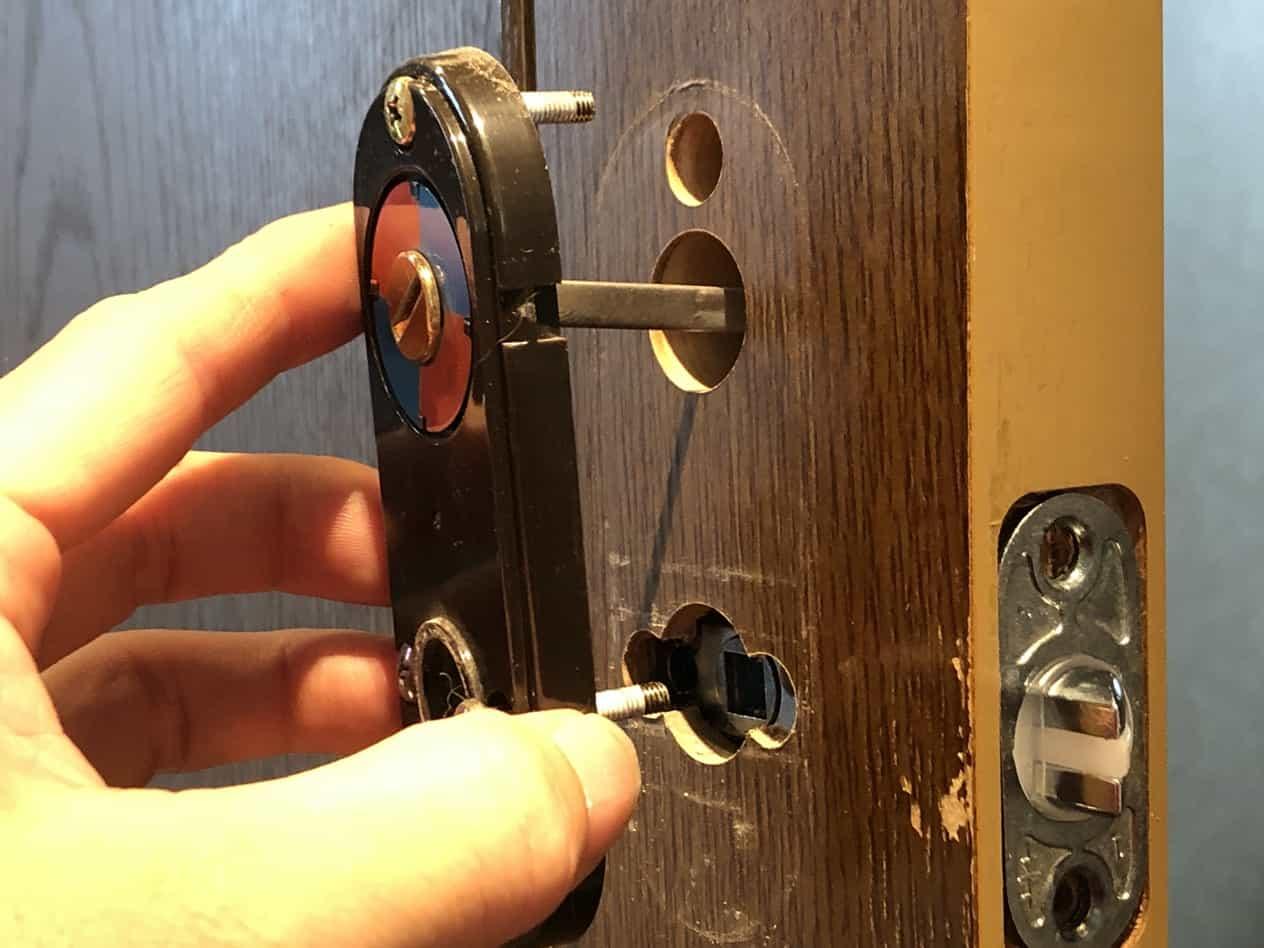 ドアのラッチボルトだけ交換