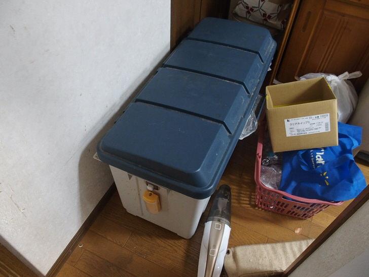 ゴミ箱にキャスターつける