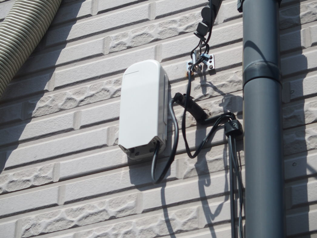 光回線の屋外ユニット