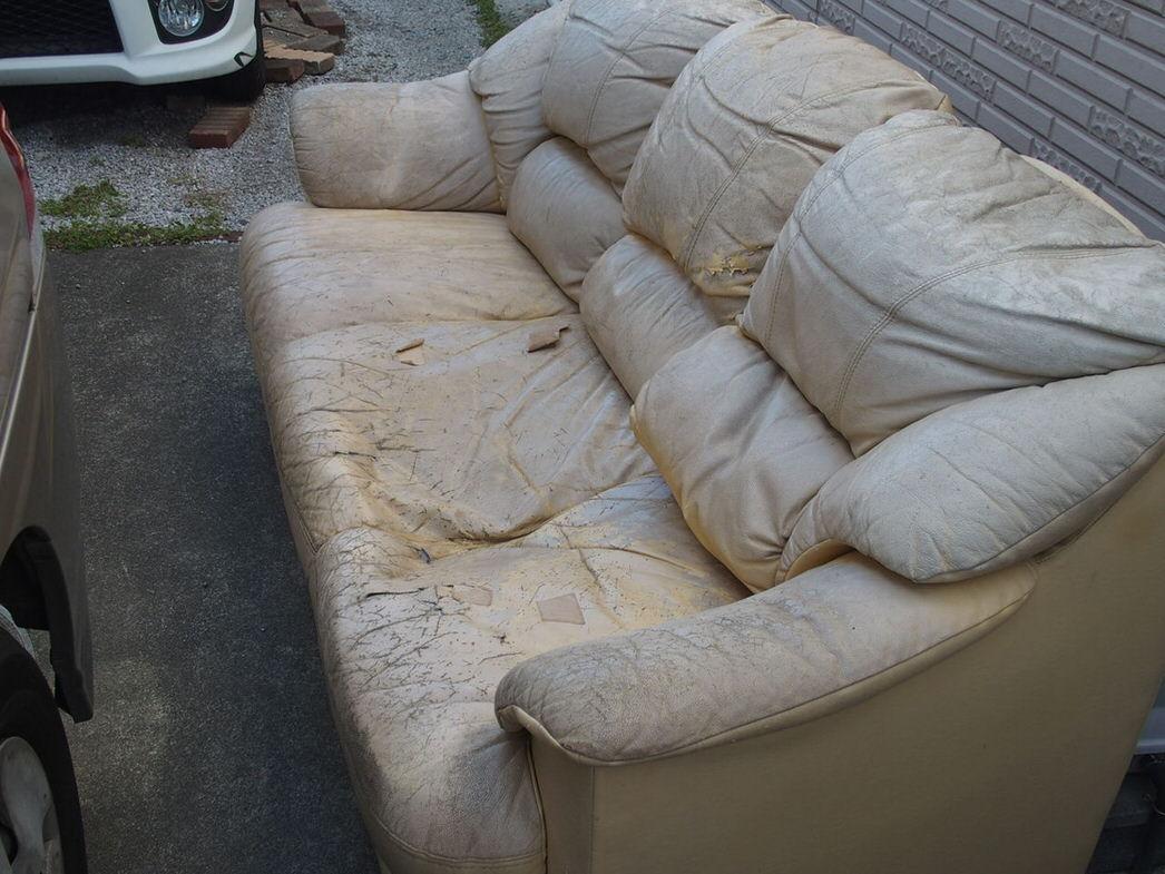3人がけソファを捨てる