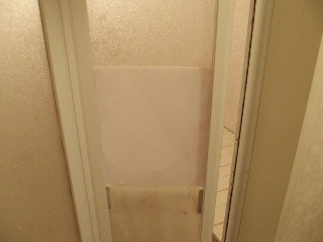 お風呂の扉の曇りガラス補修