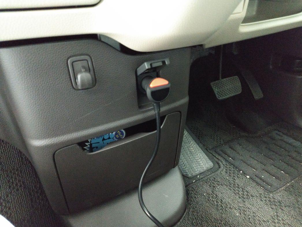 シガーソケットUSB車載充電器