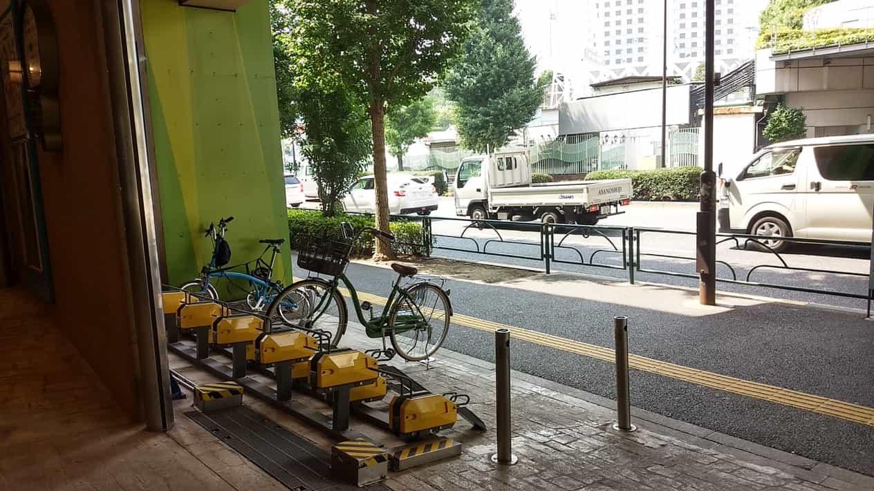 東京ドーム近くの自転車置場