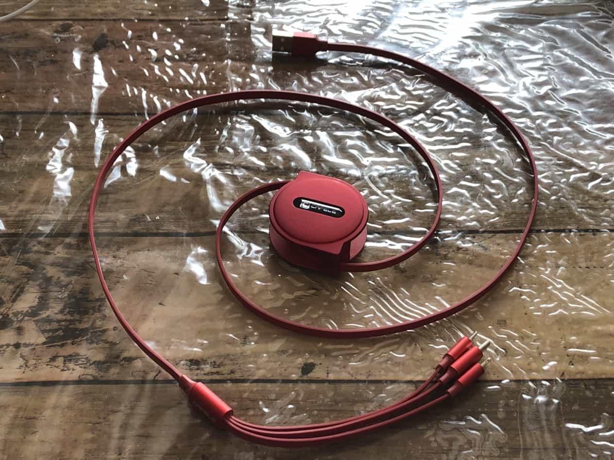 三連巻取り式充電ケーブル