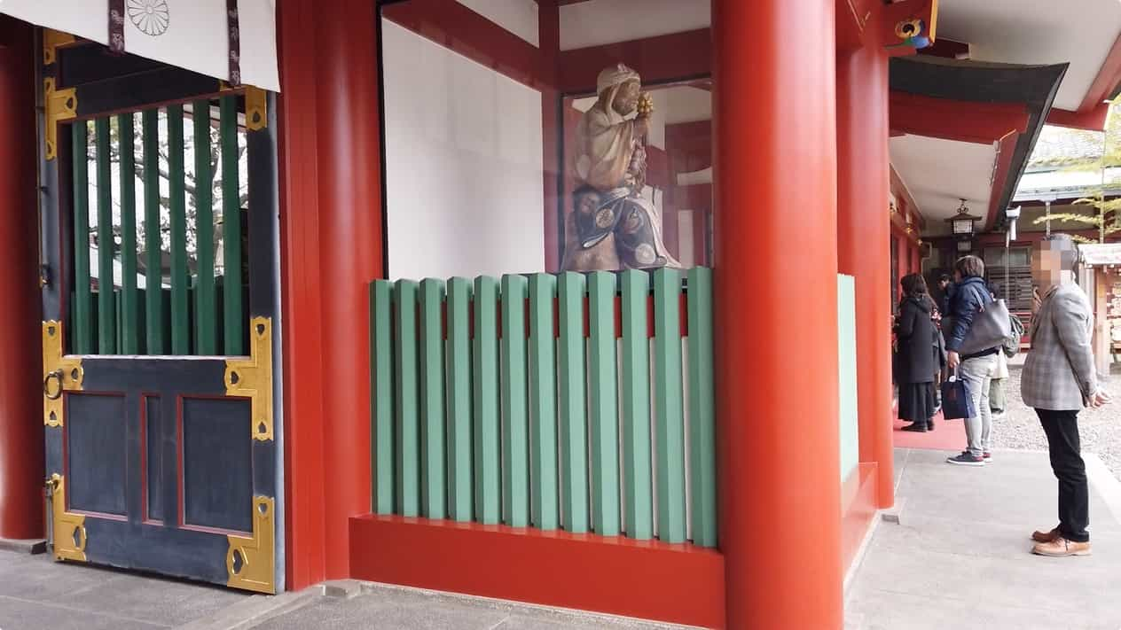 東京永田町日枝神社夫婦一対の神猿像
