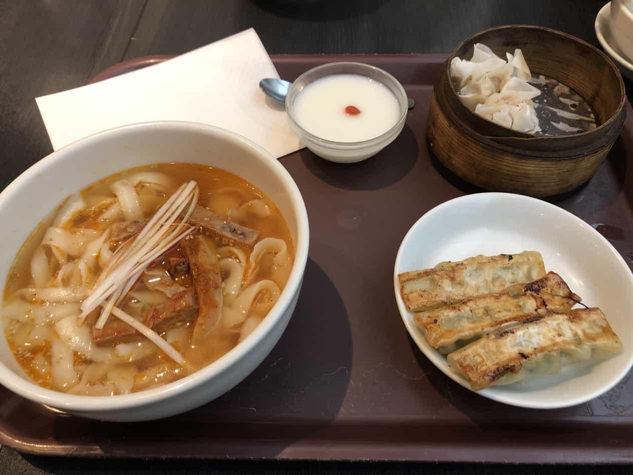 成田空港唐朝刀削麺