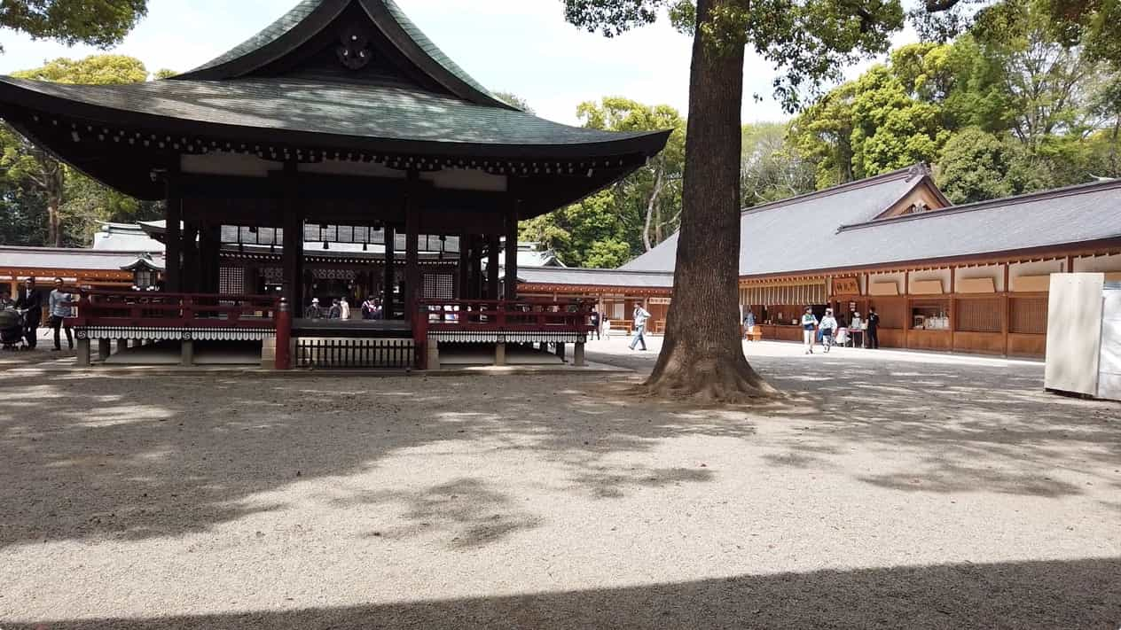 武蔵一宮氷川神社舞殿