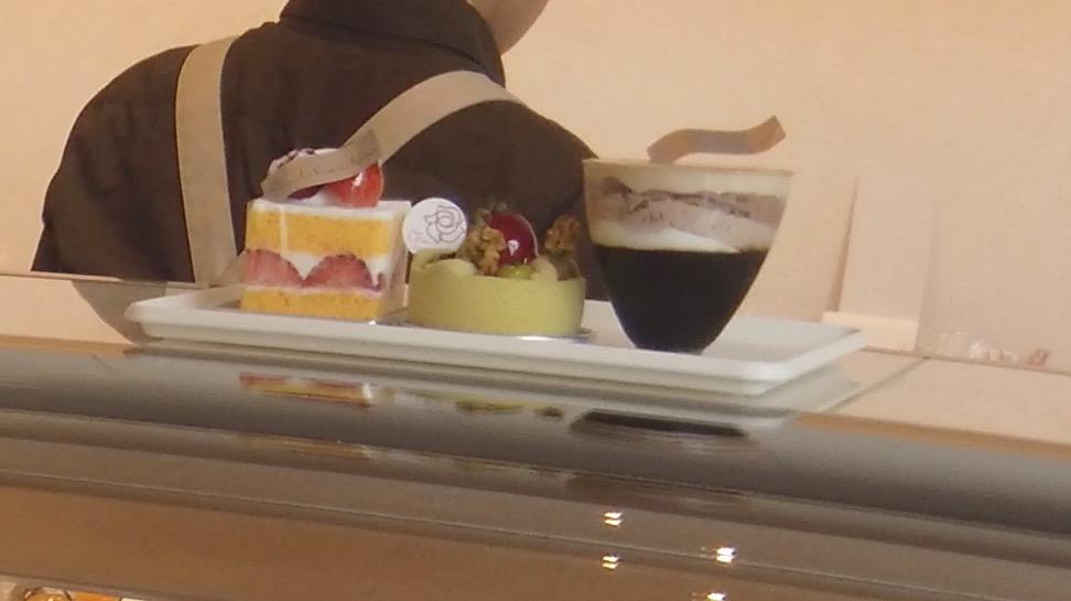 ラ・ローズ・ジャポネのケーキ
