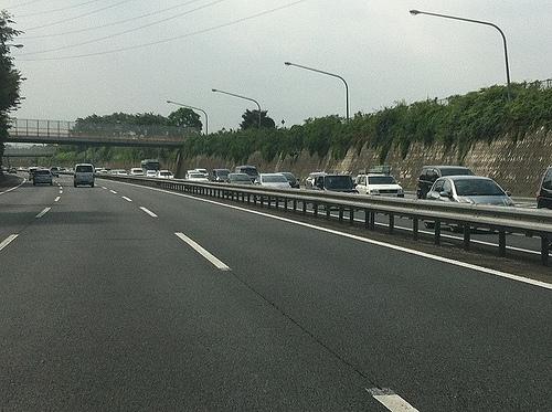 高速道路料金所でETC搭載なのに長蛇で並んでいるとき速やかに通過できるかもしれないテクニック