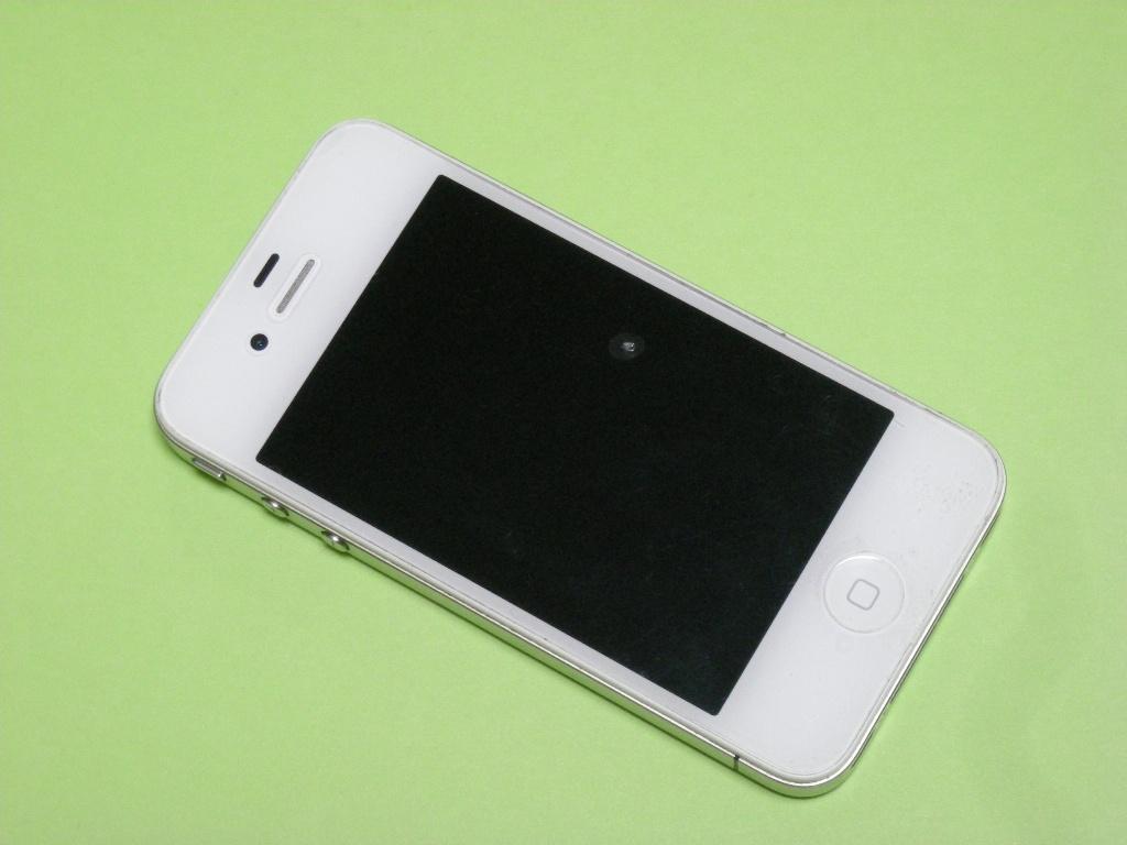 安っぽくなったiPhone 5cを工業製品として見るに匠の技が機械に取って代わられたのだと思う