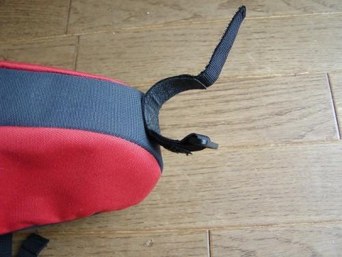 サドルバッグのシートポストへの取り付けベルト