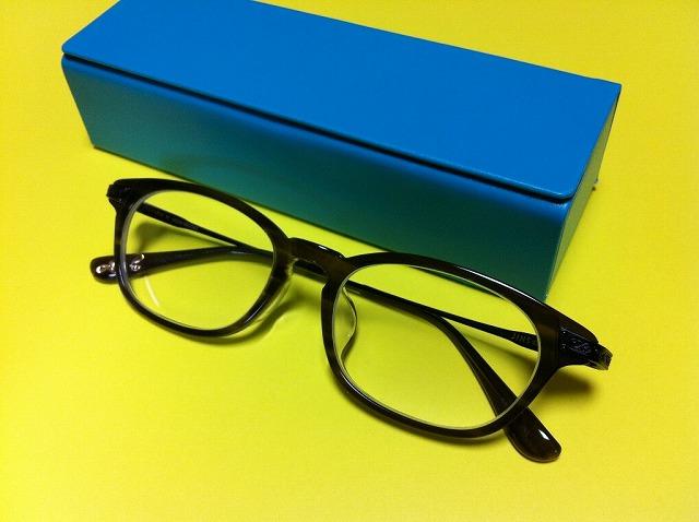 JINSでメガネを買ったついでに流行る店について考えた