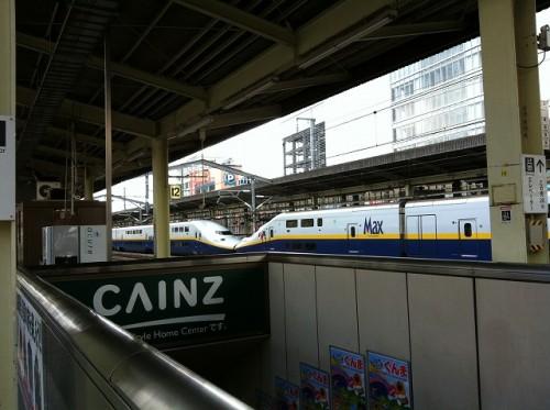 行き交う新幹線