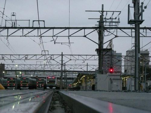 早朝の籠原駅