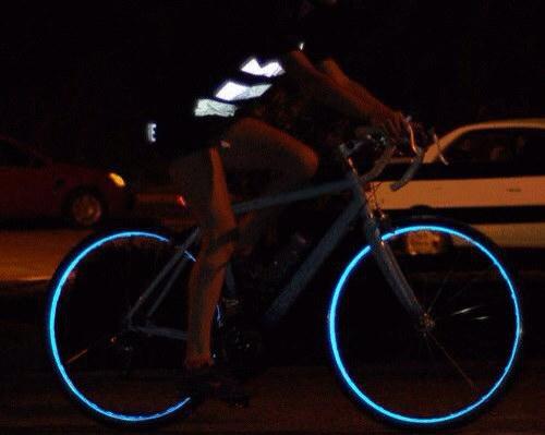 まるでトロンみたいなタイヤにできる高反射テープのモニターに応募しました他自転車のネタ