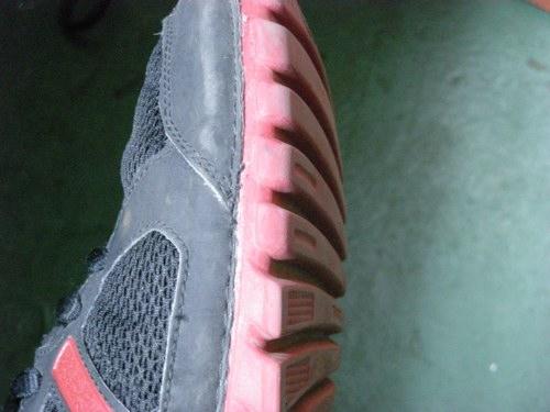 靴底の小石