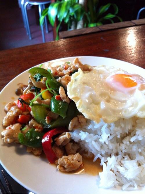 タイ料理シャム ガパオガイ(とりのバジル炒め)
