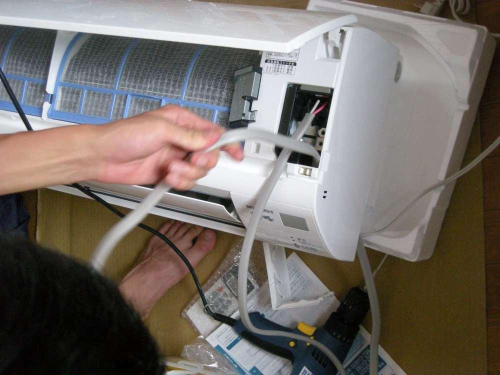 室内機への電線接続